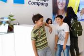 Studenti letního jazykového kurzu pro děti a mládež na jazykové škole ELC Sydney v Austrálii