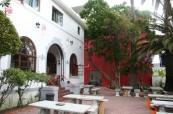 K jazykové škole LAL Cape Town náleží i prostorná terasa