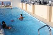 K létu patří i koupání a studenti školy EC Malta si mohou kromě moře užít i bazén, EC St. Julian's Malta
