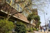 Budova jazykové školy Milner School of English v klidné části Londýna - ve Wimbledonu v Anglii