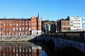 Jazykovou školu Cork English College založenou již v roce 1978 najdeme v centru města Cork