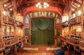 V kampusu školy mají studenti k dispozici vlastní divadlo, BSC Cheltenham