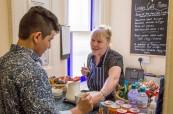 Studenti angličtiny si mohou kdykoliv zakoupit malé občerstvení přímo v budově školy Centre of English Studies