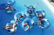 U hotelu, ve kterém probíhá letní jazykový pobyt pro mládež je studentům k dispozici také bazén, English in Cyprus, Limassol, Kypr