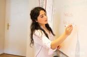 Studenti němčiny jsou vyučováni profesionálními lektory, ActiLingua Vídeň, Rakousko