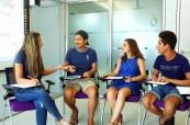 Studenti anglického jazyka během výuky, ACE Malta