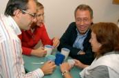 Studenti jazykového kurzu angličtiny pro manažery si spolu mohou vyměňovat zkušenosti, English in Chester, Anglie