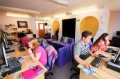 Střední škola Brockenhurst College je vybavena nejmodernější technologií