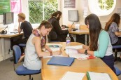 Studenti jazykového kurzu angličtiny