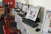 Počítačová učebna, kterou mohou studenti kdykoliv využít na škole LAL Cape Town v JAR