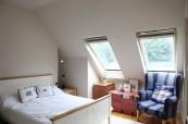 Ukázkový pokoj v hostitelské rodině, kde mohou být studenti angličtiny ubytovaní, Wimbledon School of English