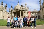 Studenti ELC Brighton na procházce po městě Brighton