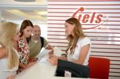 Recepce školy jazykové školy LAL-IELS Malta, kde studenti vždy najdou někoho, kdo jim ochotně poradí