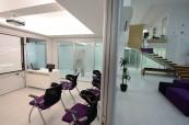 Škola ACE Malta nabízí krásné moderní prostředí laděné do fialové barvy