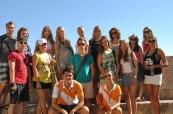 Skupinové foto studentů anglického jazyka, EC St. Julian's Malta
