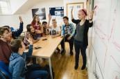 Výuka anglického jazyka probíhá během letního kurzu pro děti a mládež zábavnou formou, BSC Edinburgh