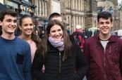 Studenti letního kurzu angličtiny v Edinburghu objevují město, BSC Edinburgh