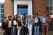 Absolventi speciálně zaměřeného jazykového kurzu pro manažery na škole English in Chester, Chester Anglie