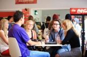 Studenti angličtiny ve společných prostorech, LAL Torbay