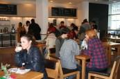 Jazyková škola Inlingua má v přízemí budovy vlastní kavárnu, kde se studenti mohou občerstvit, Inlingua Berlín Německo