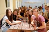 Studenti prázdninového kurzu angličtiny na slunečné Maltě na škole LAL Malta Sliema
