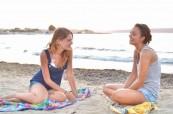 Studentky jazykového kurzu pro mládež na pláži BELS Malta
