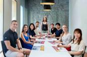 Studenti španělštiny v moderní učebně jazykové školy International House Valencie