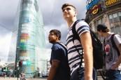 Studenti na studijním pobytu na škole British Study Centres v Manchesteru objevují město