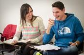 Studenti jazykového kurzu angličtiny na jazykové škole Atlas Language v Dublinu, Irsko