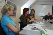 Ke studentům anglického jazyka přistupují lektoři individuálně a zaměřují se na jejich potřeby, Meridian School of English Portsmouth