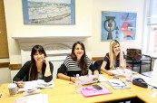 Jedna z učeben, kde probíhá jazykový kurz angličtiny na škole British Study Centres v Londýně