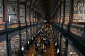 Dublin má studentům co nabídnout, mohou se podívat například do Trinity knihovny, Atlantic Language