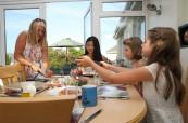 Místní hostitelské rodiny se hezky starají o studenty LAL Torbay