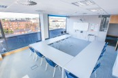 Atlantic Language v Dublinu je prestižní jazyková škola sídlící v krásné moderní budově