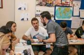 Lektoři přistupují ke studentům jazykového kurzu individuálně, CES Leeds