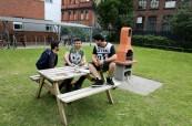Ke škole British Study Centres v Manchesteru patří i velká zahrada